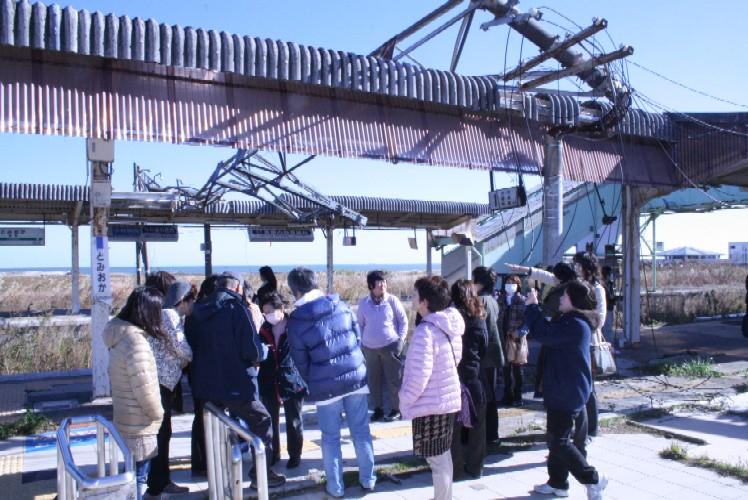 常磐線富岡駅を見学、未だに震災当時のままです。